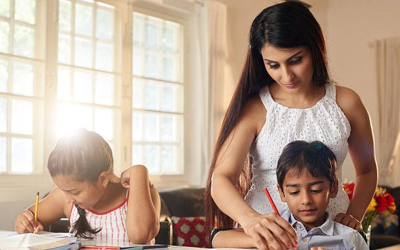 Ways to guide your child when they join an online classroom