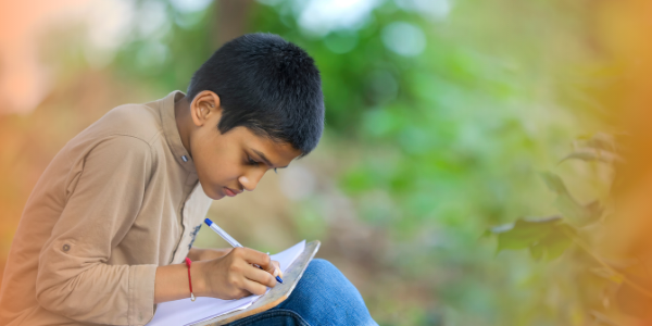 4 easy ways to build your child's English vocabulary