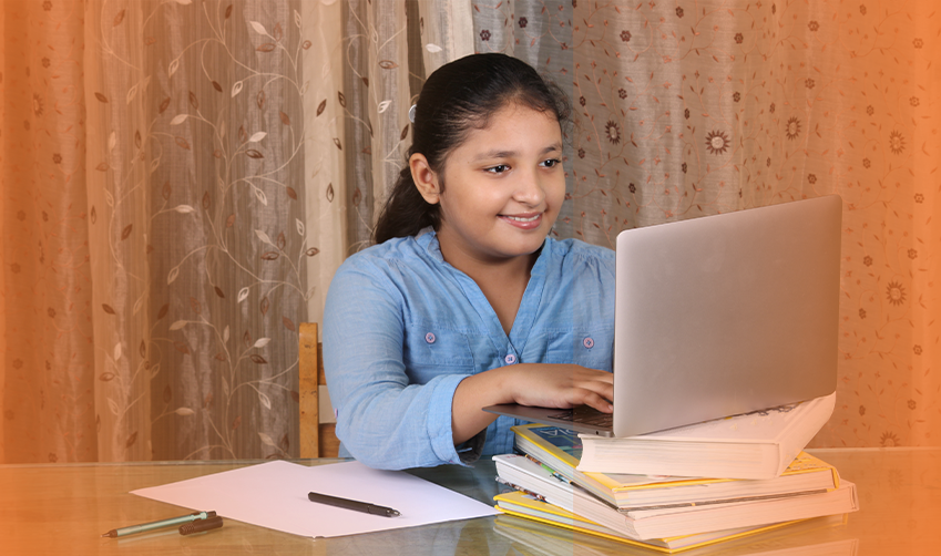 How are schools using online learning management systems for students to learn & collaborate better?